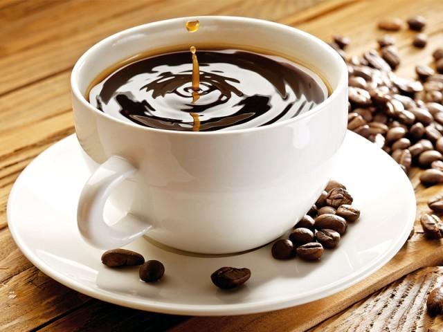 lam-sach-rang-nho-uong-cafe-3